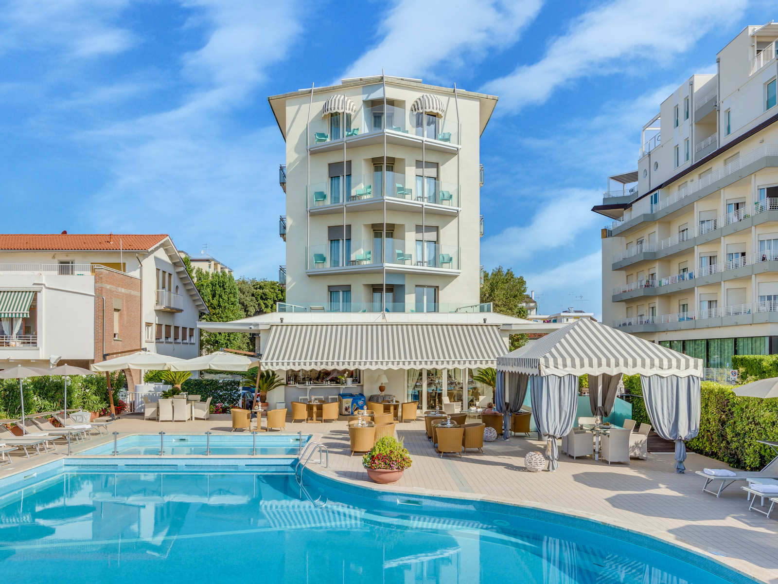 Hotel delle mimose jesolo hotel reservation hotel 3 stelle a jesolo fronte mare con piscina - Hotel jesolo con piscina fronte mare ...